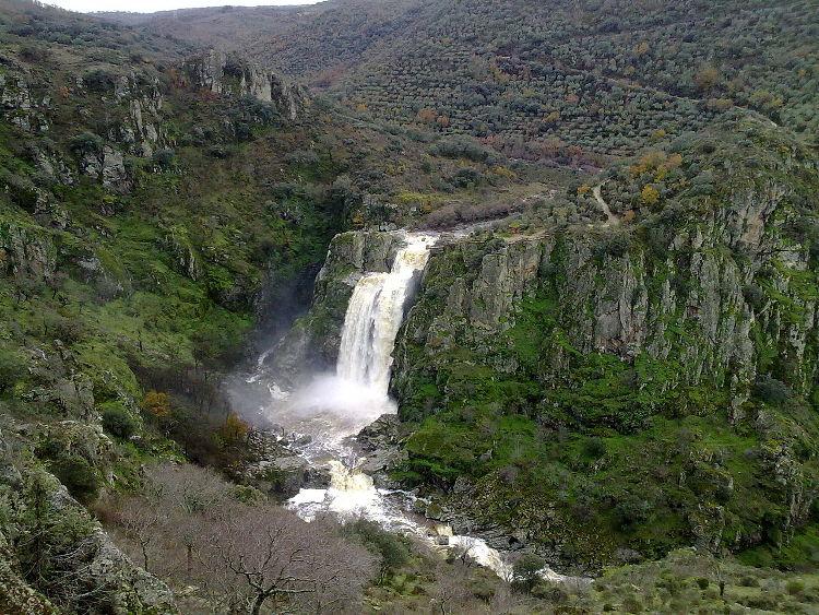 5 cascadas altas España