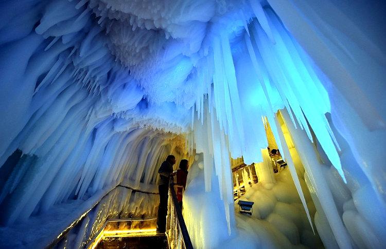 Gran cueva hielo china no se derrite verano
