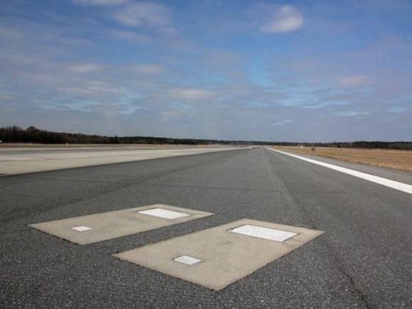 Tumbas pista aeropuerto Savannah