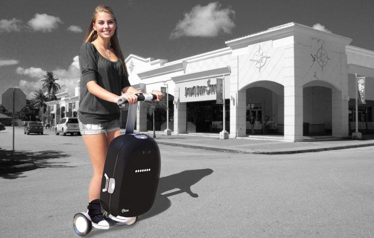 Inventan una maleta que puede reconocer a su dueño y seguirle de manera autónoma