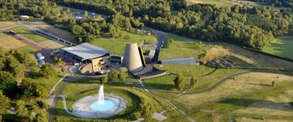 Vulcania parque atracciones sobre volcanes Francia