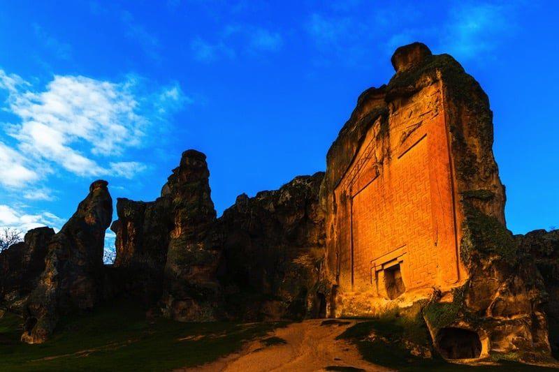 La extraña Ciudad de Midas, excavada en la roca por los frigios hace casi 3.000 años