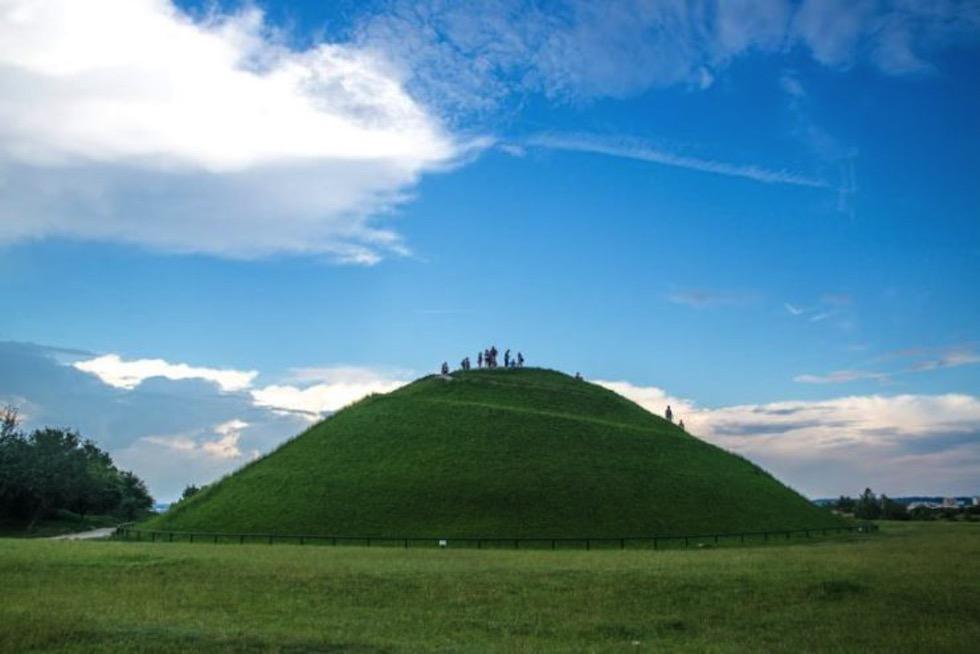 Los túmulos de Cracovia alineados con la salida del sol en Beltane