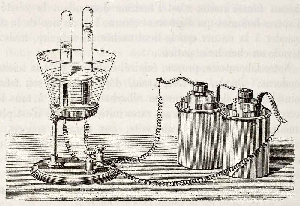 Científicos consiguen visualizar por primera vez el proceso por el que el agua conduce la electricidad