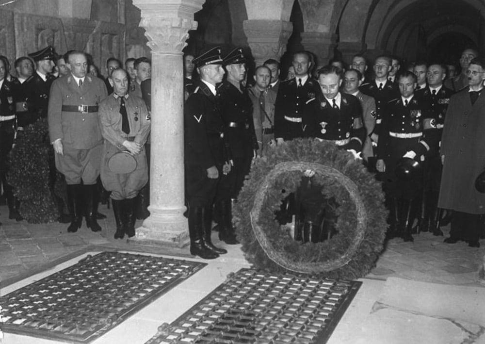 Cómo los reflectores para bicicletas financiaban las organizaciones nazis de las SS