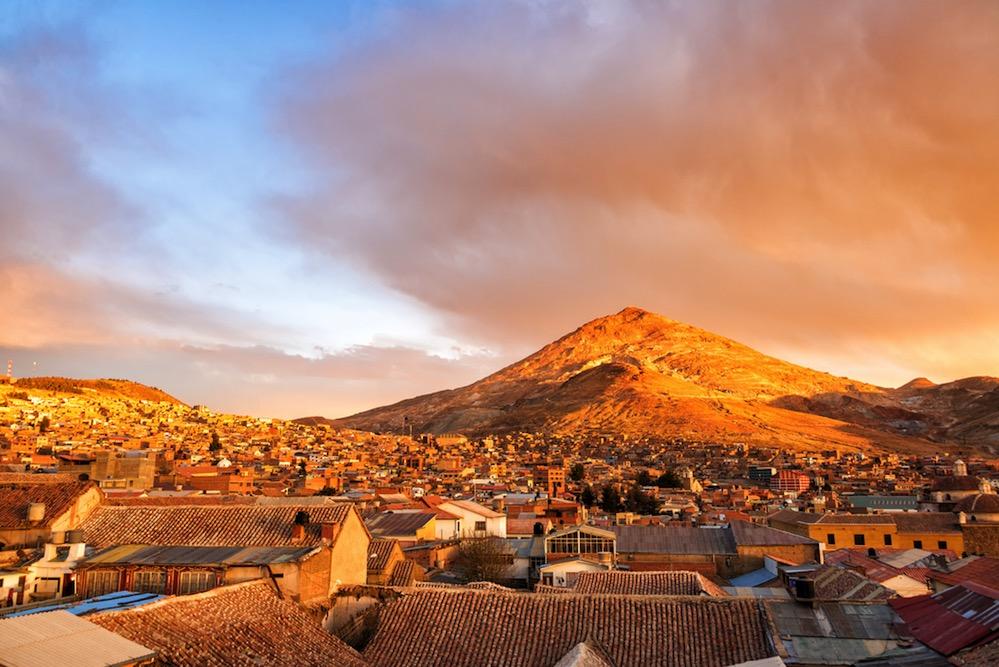 Cerro Rico, la montaña asesina que fue la mayor mina de plata del mundo