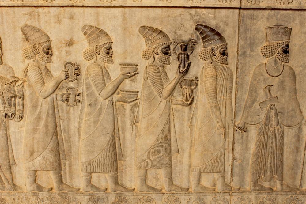 La táctica de los antiguos persas: deliberar ebrios, decidir sobrios