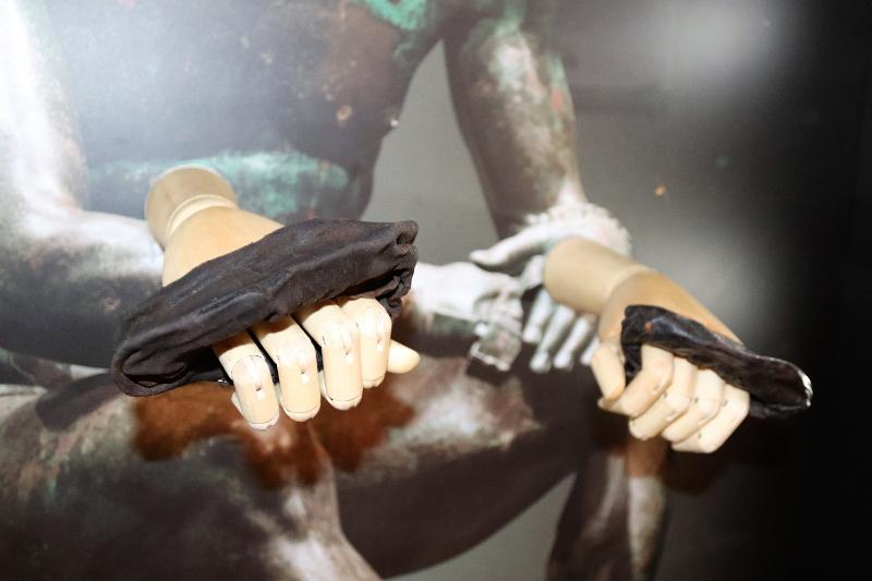 Los primeros guantes de boxeo romanos, encontrados en el yacimiento de Vindolanda
