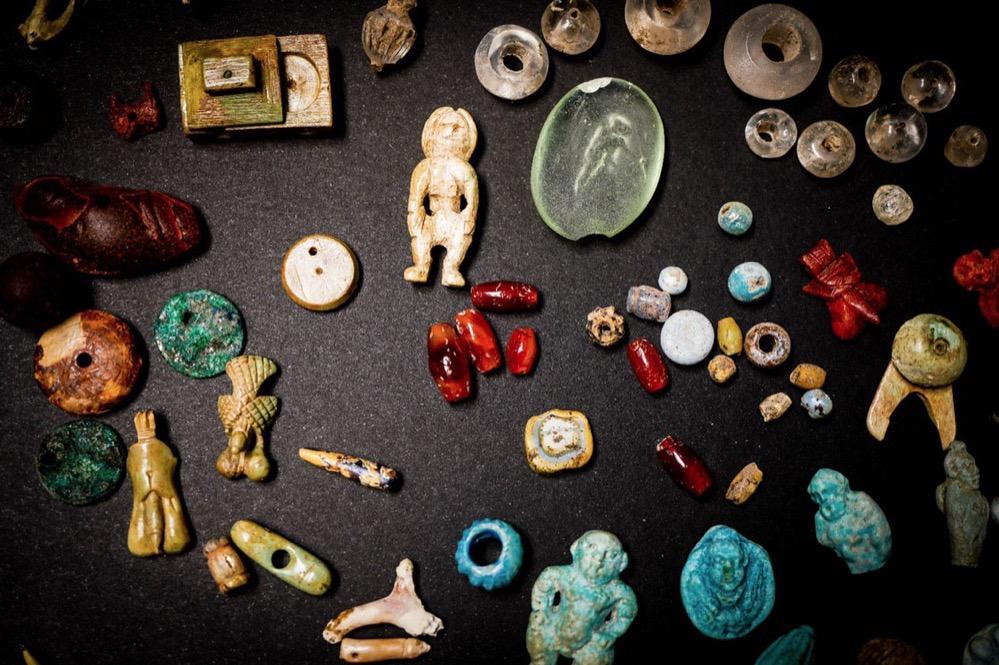 Encuentran en Pompeya el 'tesoro de la hechicera', un singular conjunto de amuletos y objetos rituales
