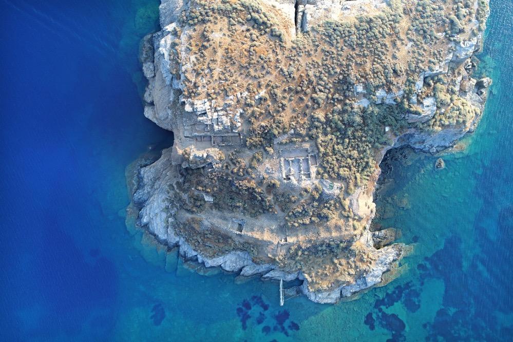 Encuentran un antiguo santuario y estructuras bizantinas en un islote frente a Citnos en las islas Cícladas