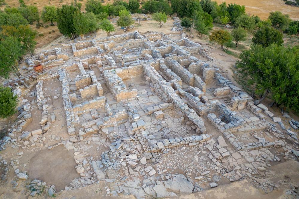 Encuentran el área del antiguo archivo del palacio minoico de Zóminthos en Creta