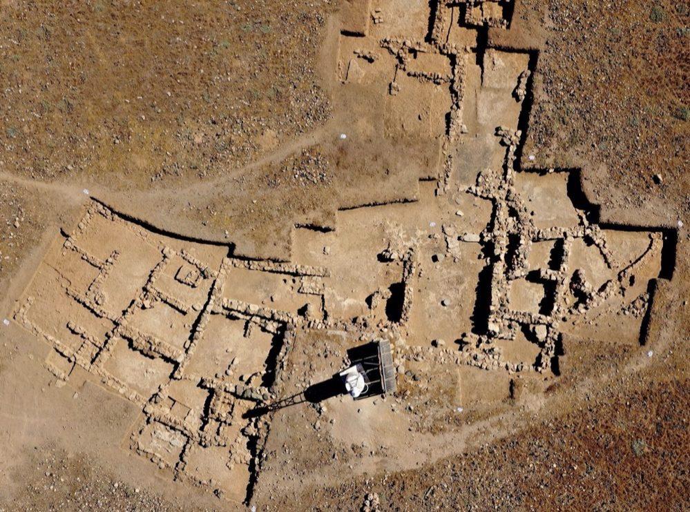 Encuentran restos de una factoría minoica de pigmento púrpura y otros tesoros en una isla cretense