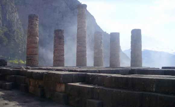 Templo de Apolo en Delfos