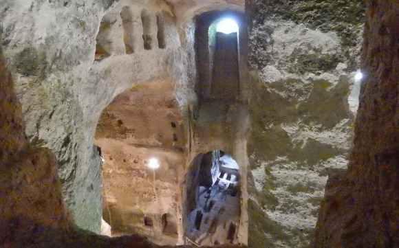 La impresionante iglesia subterránea de Aubeterre-sur-Dronne, cuyo origen pudo ser un templo a Mitra 3