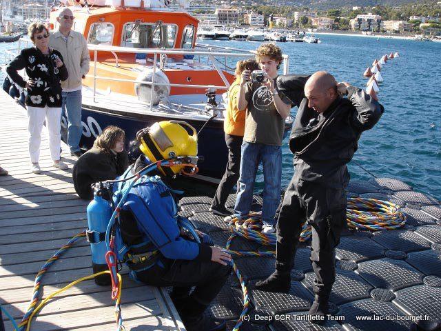 Préparation des beptêmes de plongée pieds lourds