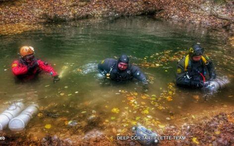 Plongee souterraine sidemount Source de la Finou