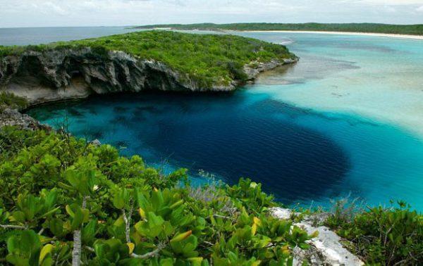Dean's Blue Hole détenait auparavant le record du Blue Hole le plus profond du monde