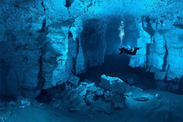 Plongée souterraine à la Grotte Ordinskaya