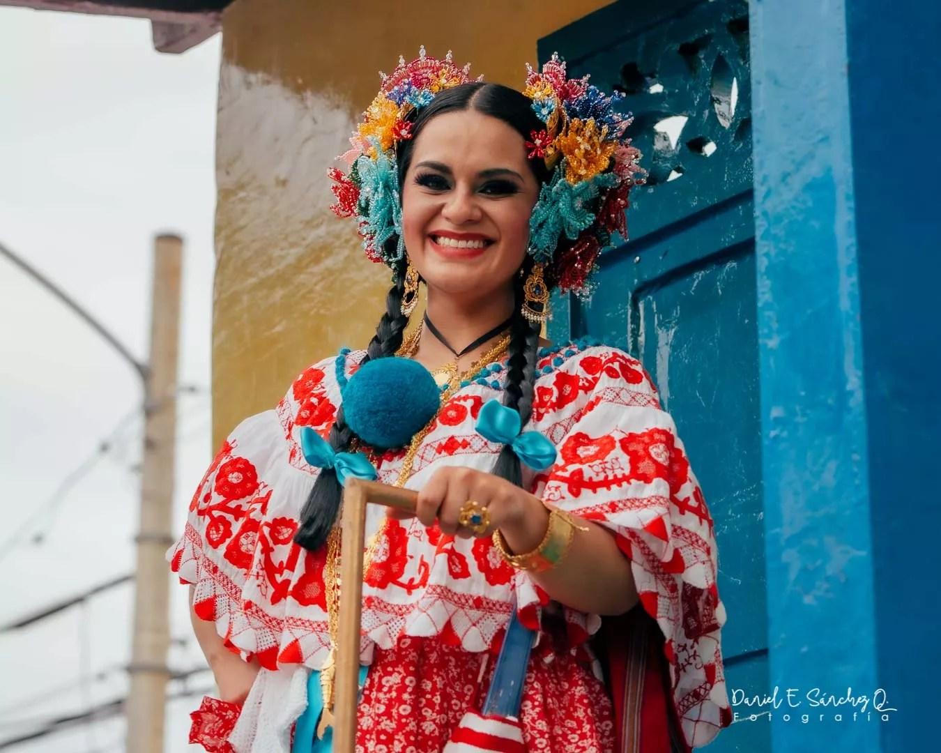 Pollera Montuna Santeña - Desfile e las Mil Polleras 2020