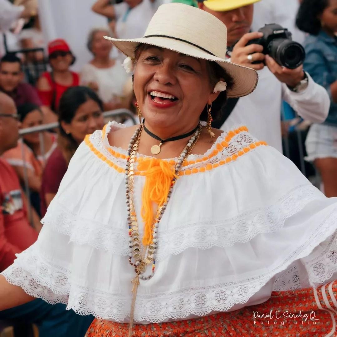 Pollera ocueña - Desfile de las Mil Polleras 2020
