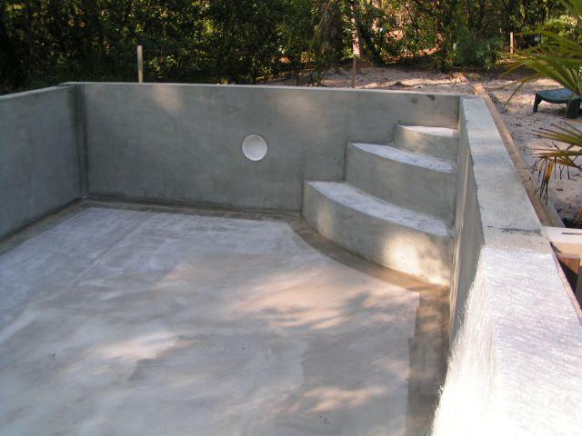 Construction piscine Etape 3  Stratification de la piscine