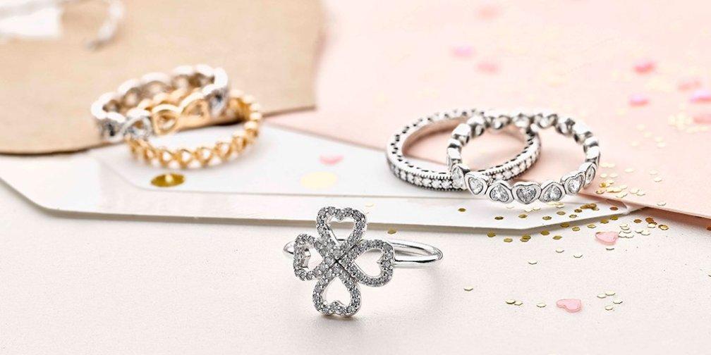 PANDORA Petals of Love Ring