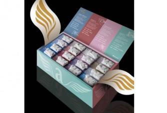 Angels Tea Wings Collection In questa raffinatissima confezione regalo, Arthemia ha raccolto tutte le 16 fragranze che compongono la linea Angels Tea. Un'occasione irrinunciabile per far scoprire ai propri cari una delle collezioni di tè più pregiate del mercato.