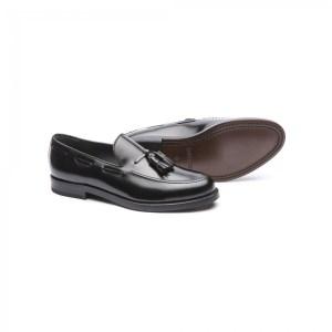 zapato borlas negro