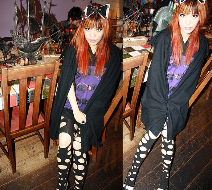 ripped tights, leggings stockings with cut-out holes, punk leggings, japan fashion cool creative, CUTE HALLOWEEN PUMPKIN FOOD! TOKYO KAWAII RECIPES, KABOCHA PIZZA & ICE CREAM CAKE, SEASONAL HOLIDAY MEALS IN JAPAN. japanese girls eating, harajuku style clothing, lady gaga hair bow, japanese schoolgirls hairstyles hair,  fashion in japan, street fashion