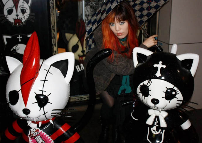 h.naoto shops in tokyo japan, HANGRY & ANGRY, SIXH HARAJUKU STORES, ANIME MATSURI 2011: LA CARMINA & H.NAOTO AT JAPANESE CONVENTION IN HOUSTON, TEXAS, buy tickets, dates, event information for anime matsuri 2011, march 18 to 20, japanese fashion expert, japan fashion speaker, pop culture consultant, DESIGNER GASHICON. H.NAOTO FASHION SHOW, HARAJUKU LATEST PUNK STREET STYLES, CUTE JAPANESE GIRL MODELS. H.NAOTO sixh, s-inch, anime conventions selling gothic lolita clothes, elegant goth aristocrat, punk japanese clothes for sale, gothic lolita punk fashion harajuku h.naoto sixh hangry angry gashicon cute japanese girls models lolitas pretty kawaii adorable girl young teens schoolgirls modeling b-52s runway show presentation collection preview tokyo street style cool new fashions latest trendy fads streetwear s-inc goth girls interview designer manga anime jpop