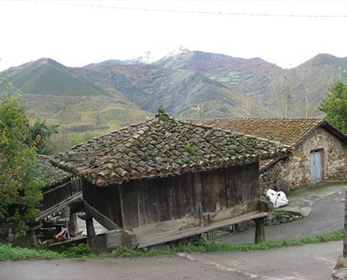 Horreo casa rural La Carrozal Asturias Teverga