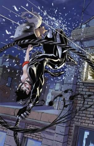 Catwoman salto desde la ventana