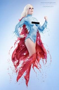 Mujeres del cómic vestidas con leche