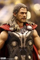 hot-toys-at-toy-soul-2014_09