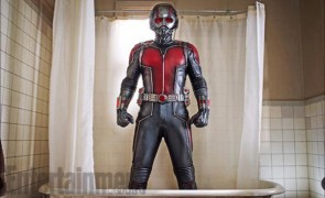 Ant-Man en la bañera