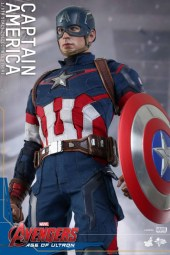 Hot Toys Capitan America 6