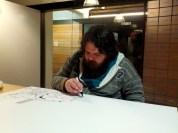 Josep Busquet dibujando su dedicatoria para Whakoom