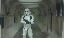 Un stormtrooper vigila el photocall