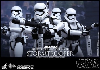 Hot Toys Star Wars VII 12