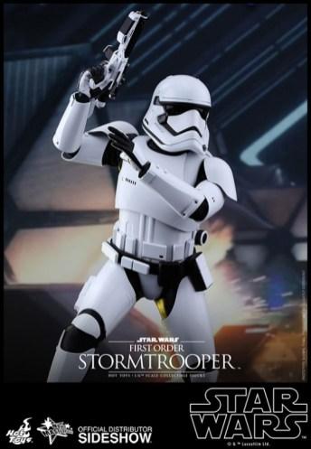 Hot Toys Star Wars VII 16