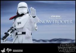 Hot Toys Star Wars VII 22