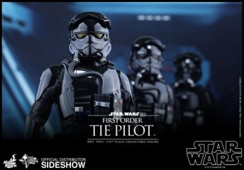 Hot Toys Star Wars VII 39