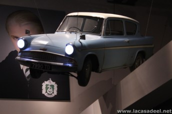 Hall-Ford Anglia