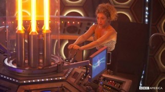 Doctor Who especial navidad 2015 River Song tardis1