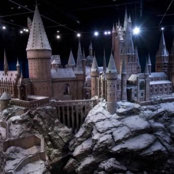 Maqueta del Castillo de Hogwarts en Navidad. Imagen por cortesía de Warner Bros Studio Tour London