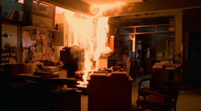 x files-incendio en oficina