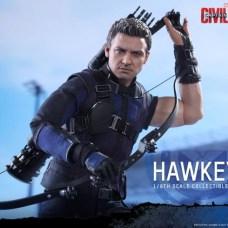 Hot Toys Hawkeye 4