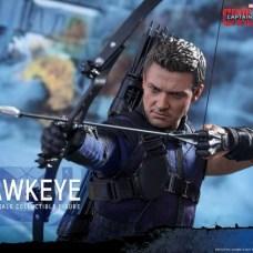 Hot Toys Hawkeye 5