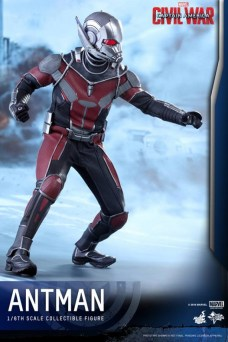 Ant-Man Hot Toys (10)