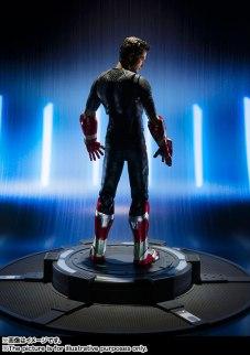 SH Figuarts Tony Stark (5)